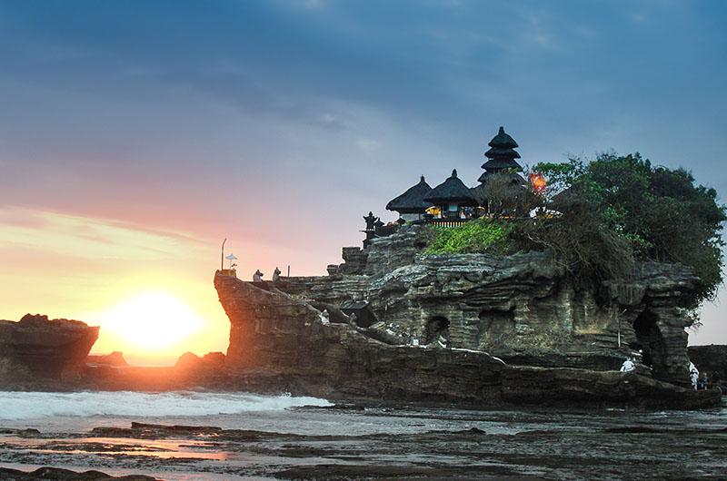 Bali Tanah Lot harry-kessell 800x530